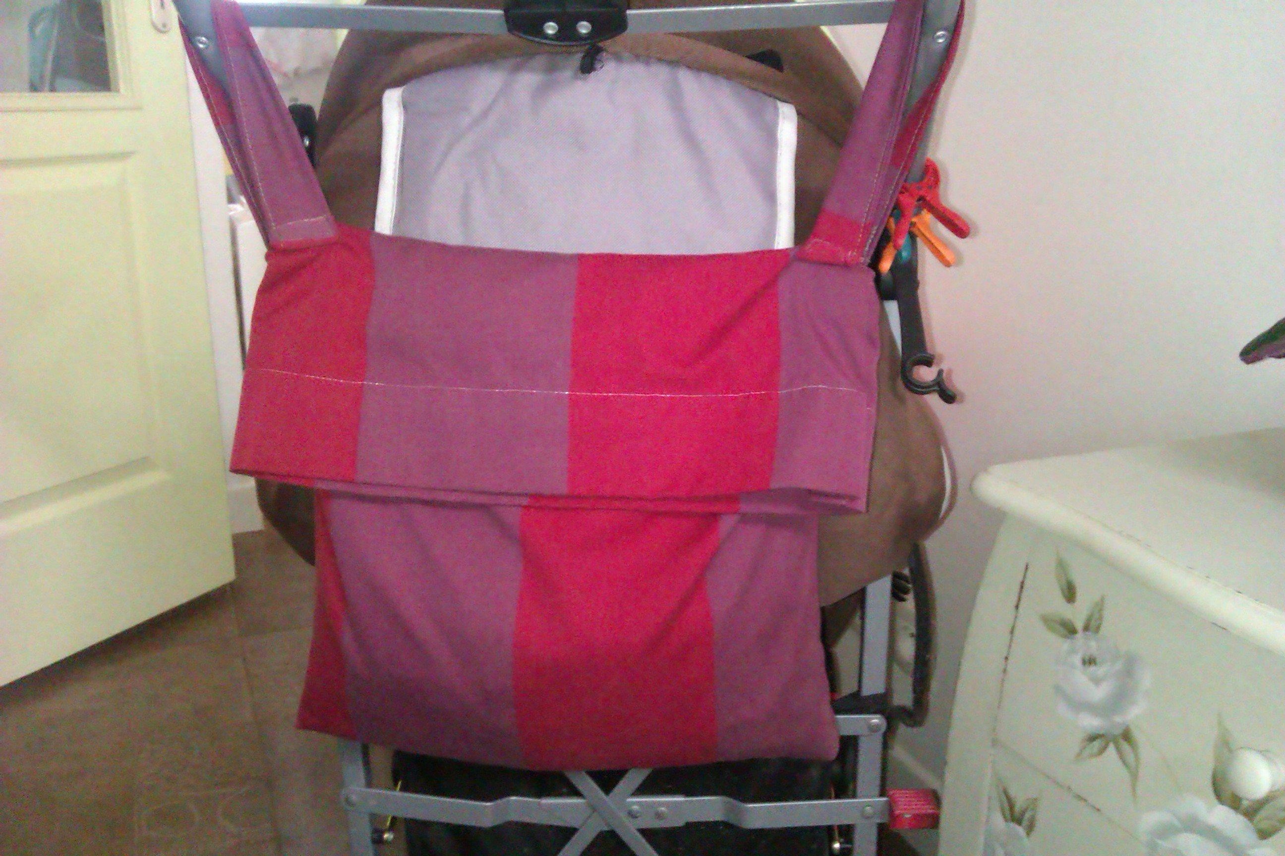 sac pour poussette une pelote des aiguilles et un peu de couture. Black Bedroom Furniture Sets. Home Design Ideas